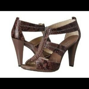 MICHAEL KORS SNAKE EMBOSSED LEATHER SANDALS 9
